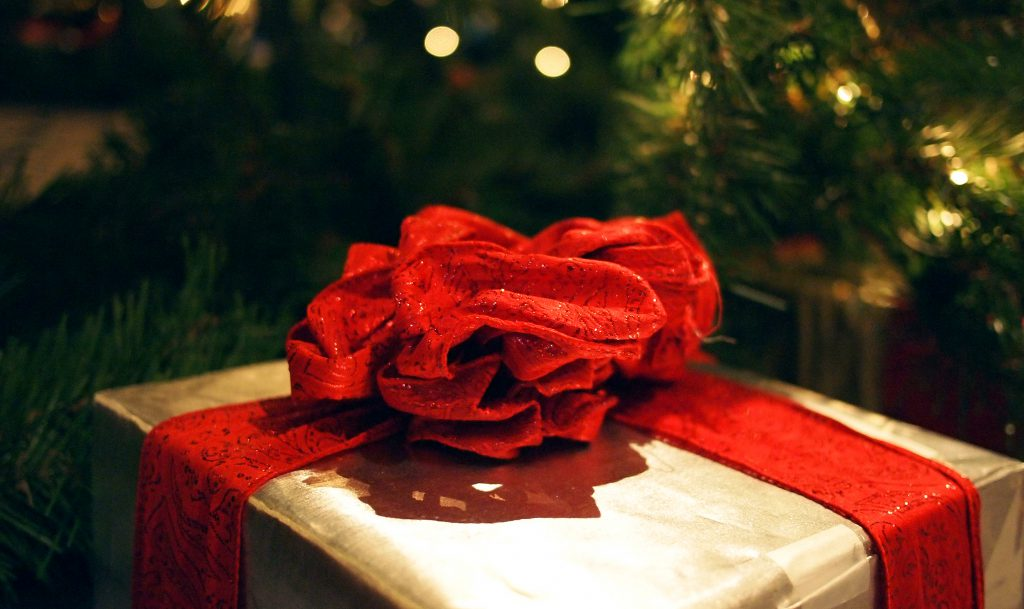 Новогодний рождественский подарок стоковое фото