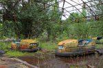 Фото брошенного парка развлечений в Припяти
