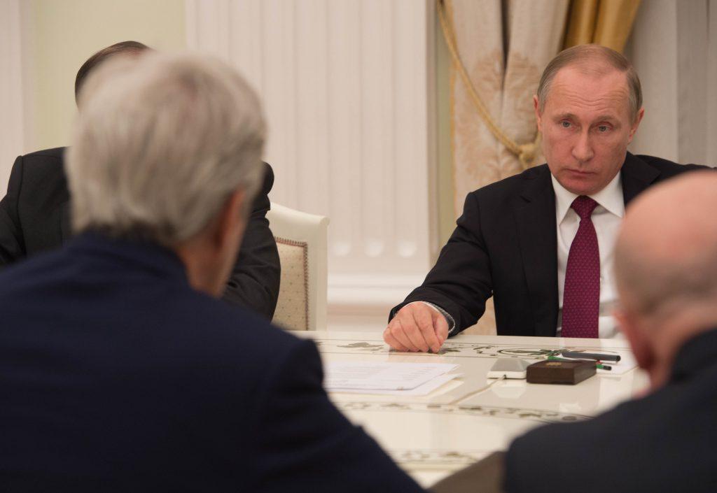 Президент России Владимир Путин на переговорах