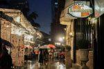Тропический дождь ливень в городе Бангкок