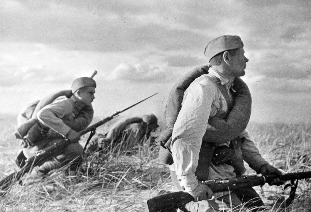 Красноармейцы на маневрах под Одессой в 1936 году