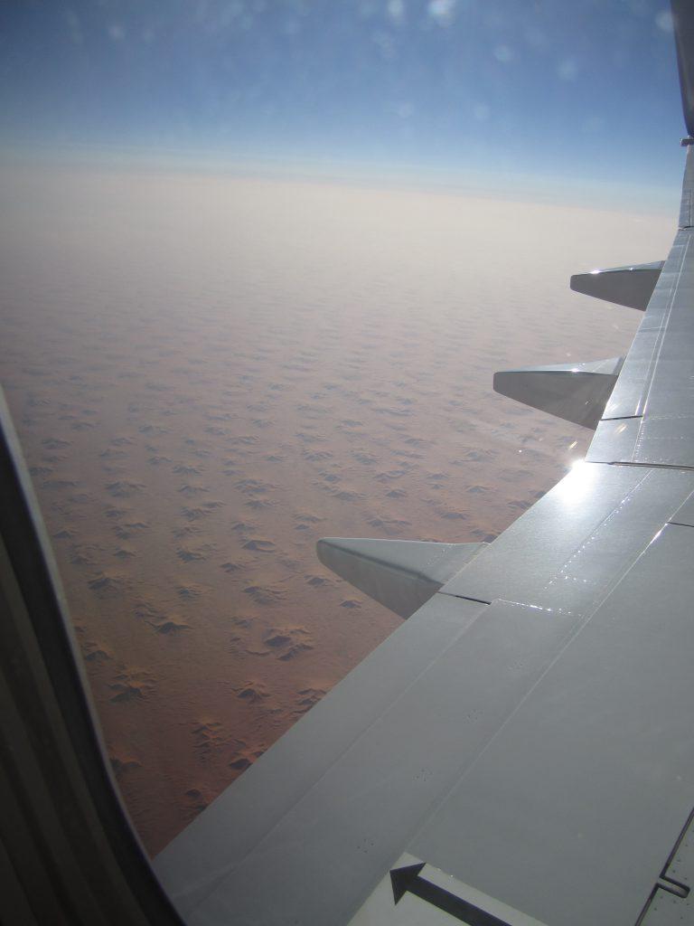 Фото пустыни Сахара с окна Самолета
