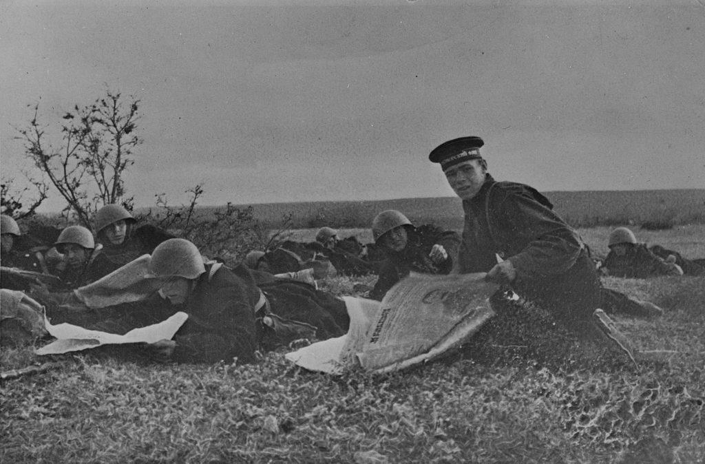 Моряки на передовой в Севастополе в 1942