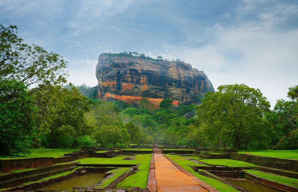 Священная гора Сигирия на Шри-Ланке
