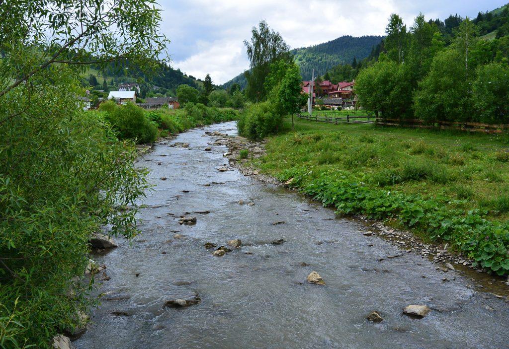 Поселок в Карпатах Славское