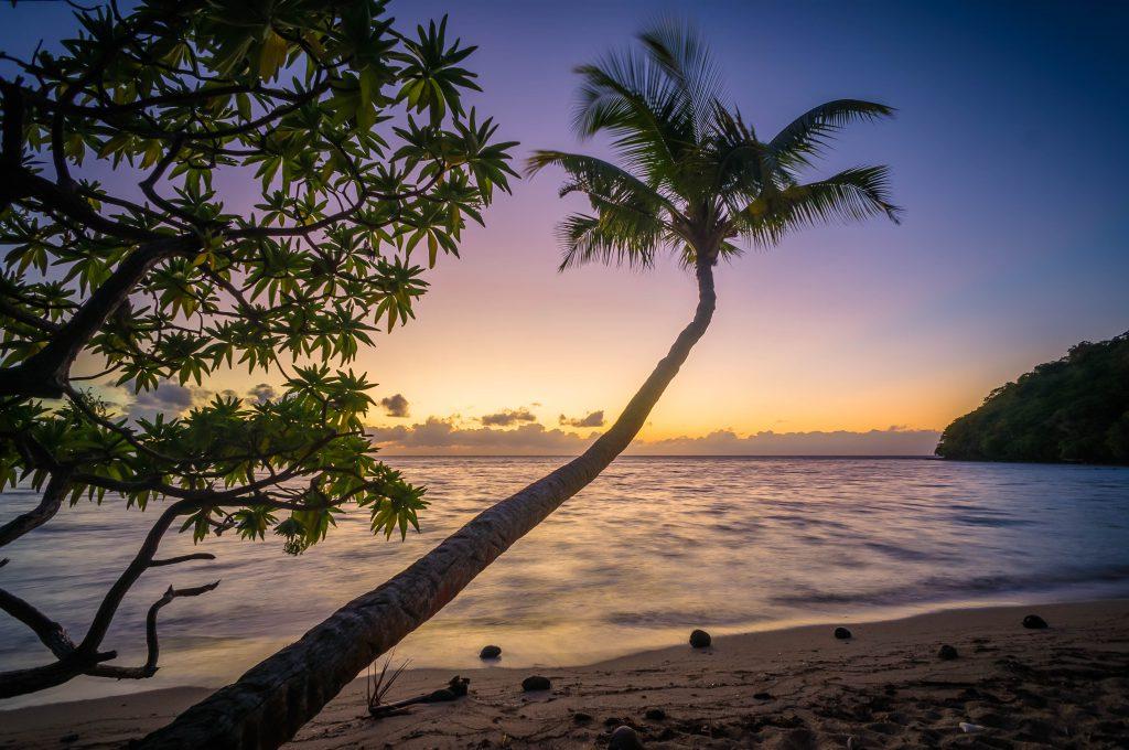 Тропический закат на островах в тропиках