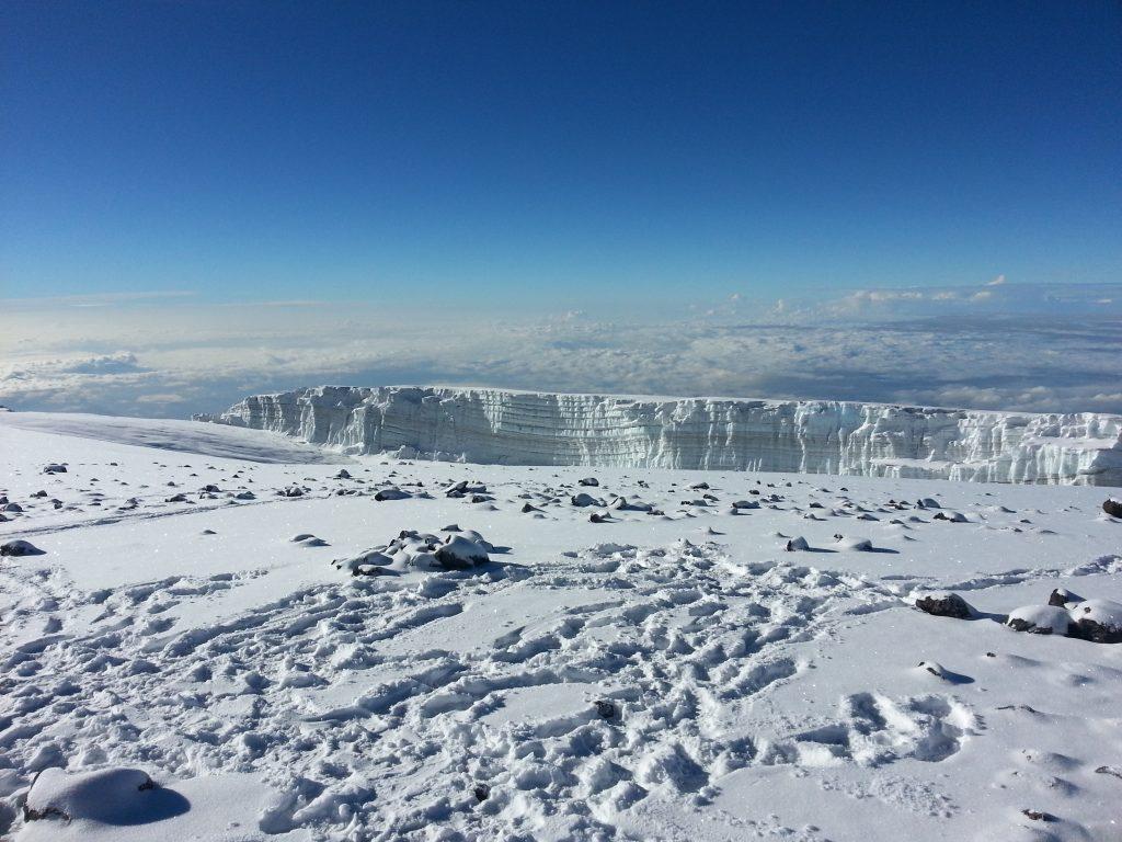 Ледник и вечные снега, вершина Килиманджаро