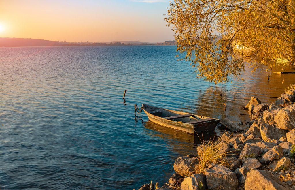 Тернопольский пруд на реке Серет на закате