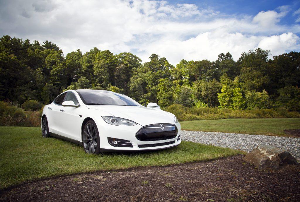 Фото Тесла - электромобиль Tesla