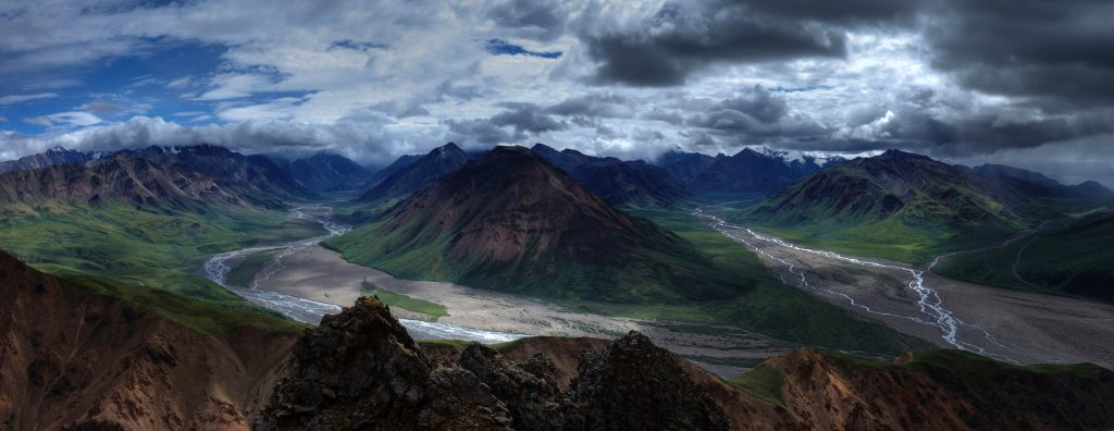 Горная река Токлат на Аляске