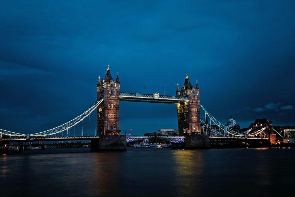 Тауэрский мост в Лондоне фото