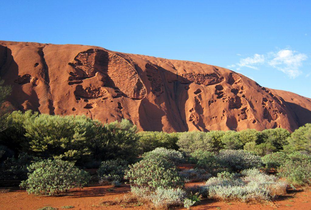 Оранжевая гора Урулу и скалы, Австралия