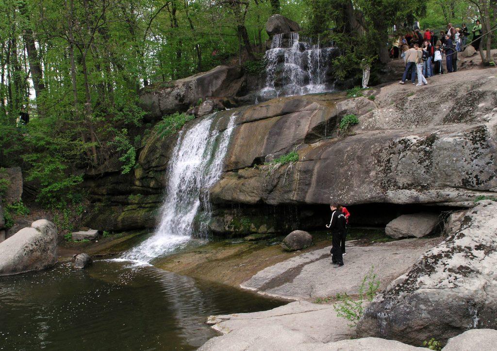 Умань, парк Софиевка - водопад и скалы