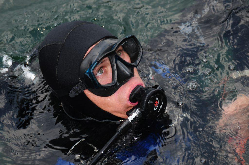 Фото водолаза дайвера с аквалангом