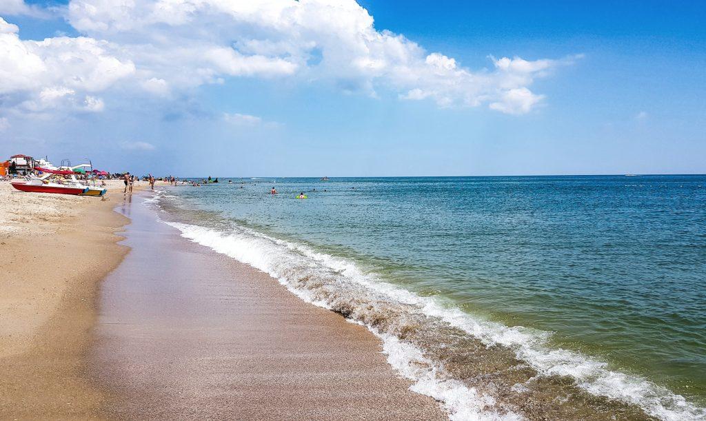 Пляж курорта Затока