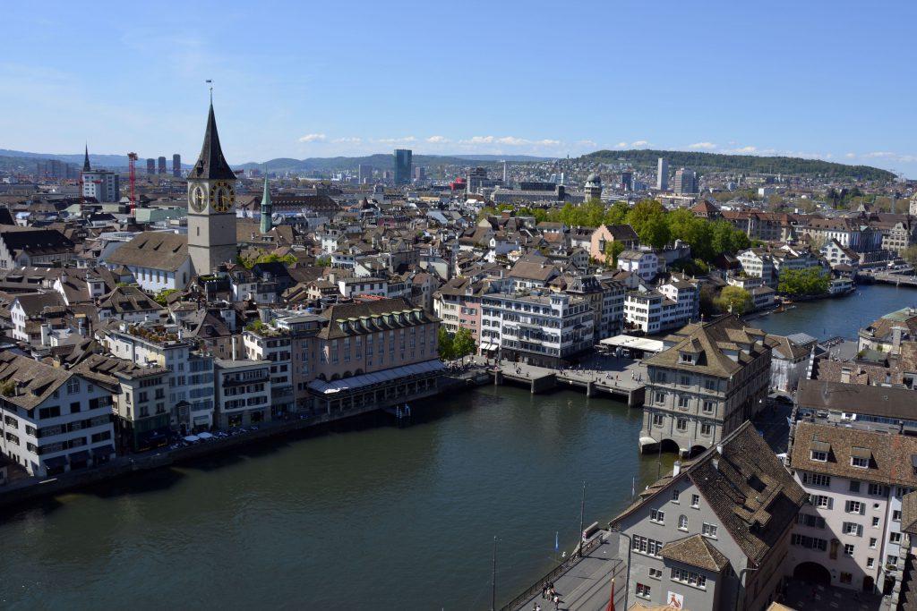 Река Лиммат и центр Цюриха